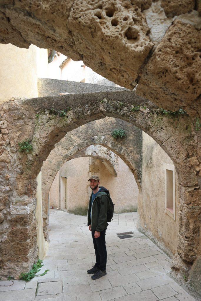 Ruelles de Villecroze, l'un des villages du Var que nous avons visité