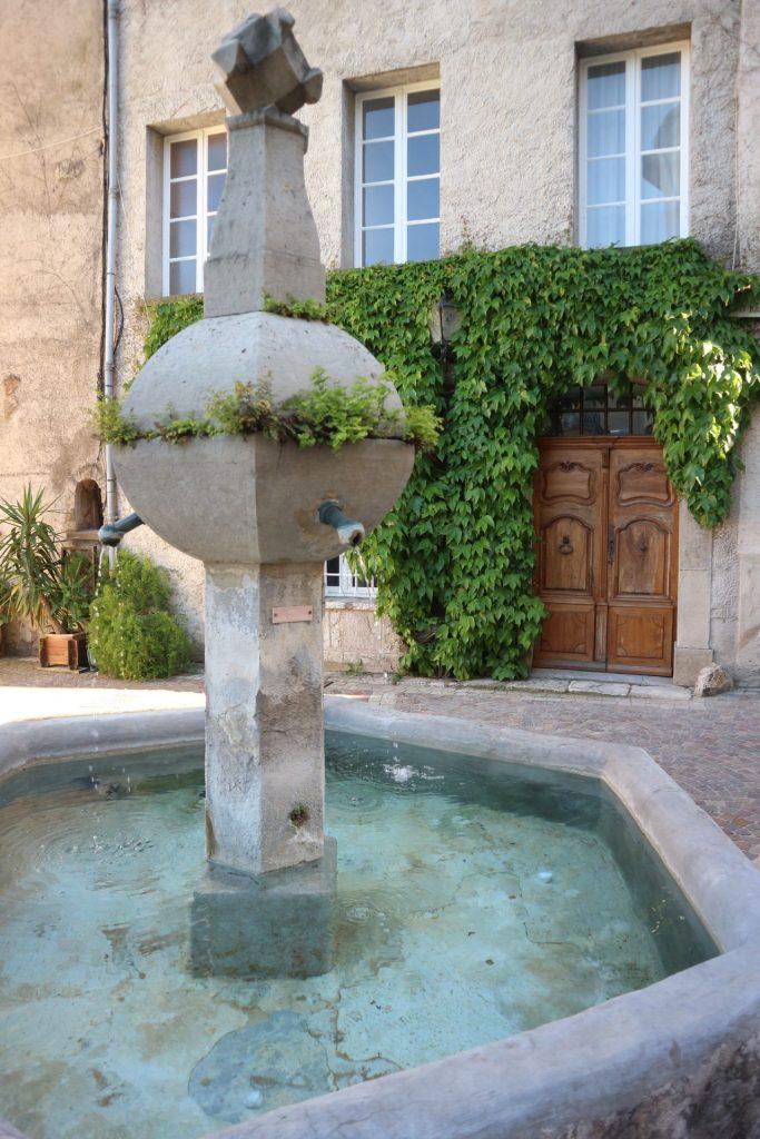 Fontaine à Callas dans le Var